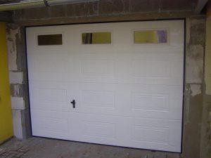 Segmentové garážové brány